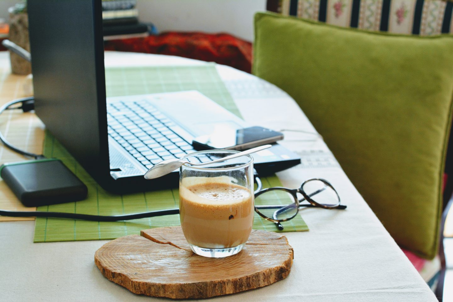 5 Hacks to be Productive while Working from Home