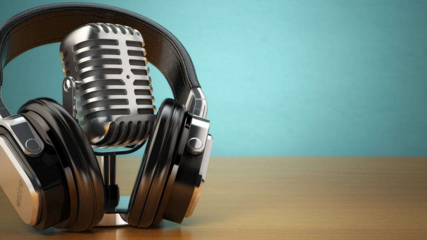 An Updated List of Podcasts I listen To